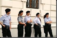 military_woman_austria_police_000027