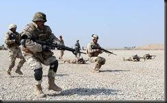 Американские военные обучают иракскую армию.