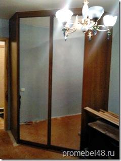 Угловой шкаф в комнату