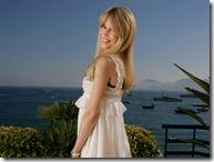 Claudia Schiffer 1600x1200 Hollywood Desktop Wallpaper