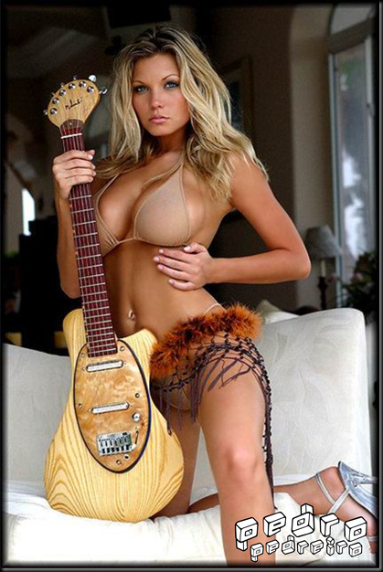 Primitive_Guitar_Girl