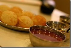 230px-Indian_cuisine-Panipuri-03