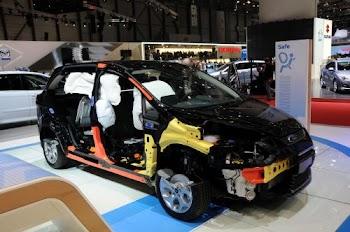 第81届日内瓦国际车展上独特的展示方式