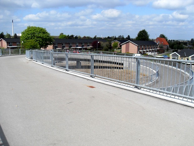 Cykelbroen over motorvejen ved Hvidsværmervej