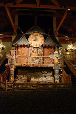 Great Wolf Lodge - animated clock tower