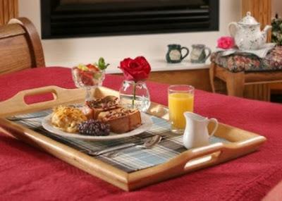 Breakfast in Bed, Hermann Hill Inn