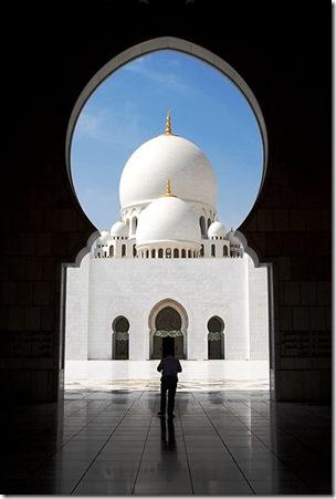 401px-BoyetDamotPhotography_Zayed_Grand_Mosque