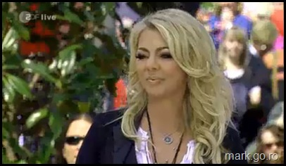 Sandra_feat_Thomas_Anders_-_The_Night_Is_Still_Young__ZDF_Fernsehgarten_10.05.20090001