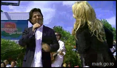 Sandra_feat_Thomas_Anders_-_The_Night_Is_Still_Young__ZDF_Fernsehgarten_10.05.20090030