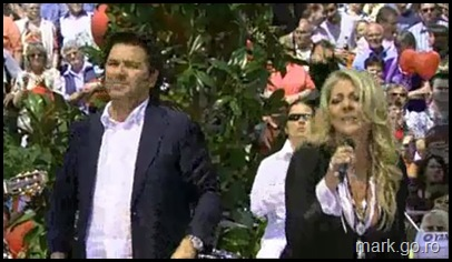 Sandra_feat_Thomas_Anders_-_The_Night_Is_Still_Young__ZDF_Fernsehgarten_10.05.20090054