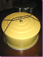 yellow cake tin