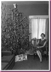 woman with christmas tree1