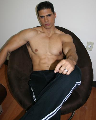 Model Box: Pedro Moreno With Glasses
