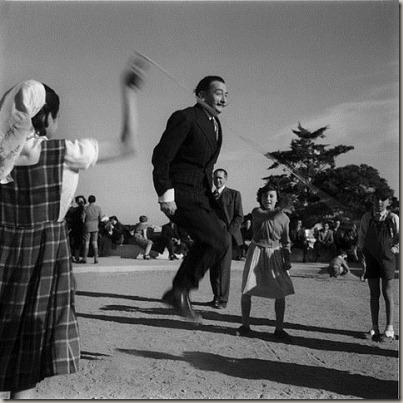 Salvador-Dali-jumping-rope