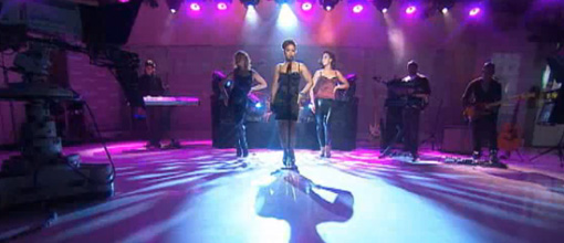 Live performance: Toni Braxton performs