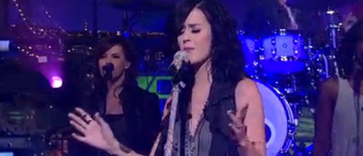 Katy Perry performs 'Teenage dream' on Letterman | Live performance