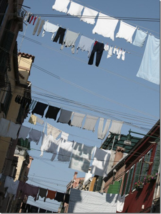 030429_1897_5084_xshs-FB~Apartment-Buildings-with-Laundry-Hanging-Out-to-Dry-on-Clothes-Line-Posters