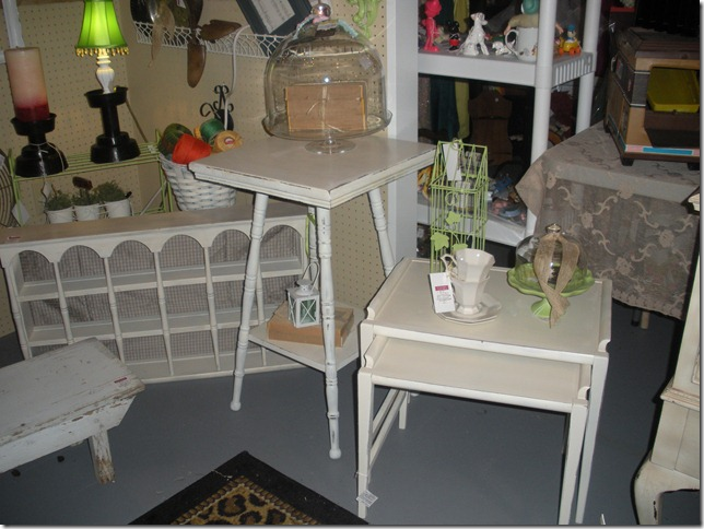 antique show and chalk paint 031