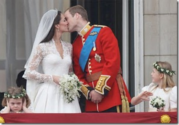 royal-wedding-kiss-frowning-flower-girl