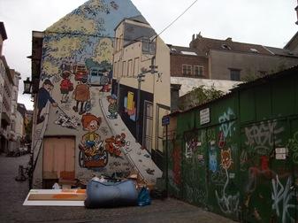Bruselas, aquí decoran así las esquinas...