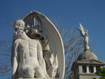 El beso de la muerte, cementerio de Poble Nou