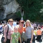 tanti saluti da Nardina,Viviana,Gioenna e Aleandra da Lourdes..JPG