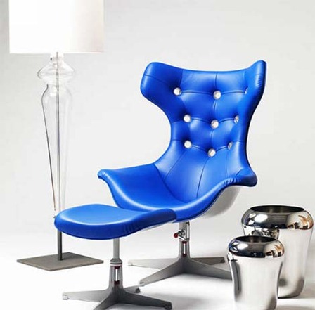 evitavonni-blue-chair