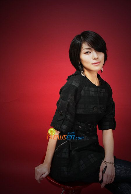 Kim Jung Hwa Cute short hairstyle 2009 - cute Asian Short Haircut 2009