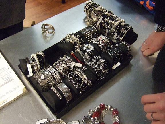 Så mycket fina armband.....