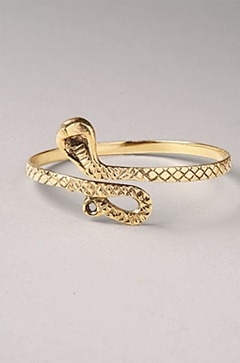 gold-snake-armband_shock-boutique
