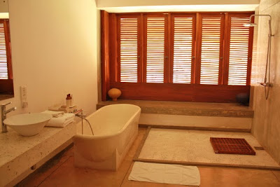 Bathroom at the Frangipani Tree hotel in Galle Sri Lanka