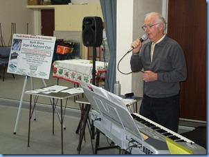 Peter singing along with his Korg keyboard in Karaoke style. Nice crooning Peter.
