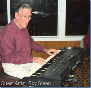 Our guest artist, Roy Steen, playing his Roland G-800 to start his performance off. Roy reckons this is his first gig and all that can be said is that the World has been missing a great artist!