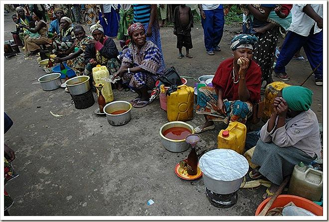 2008-08-03-DSC_0519_village_women