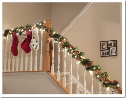 Diy newlyweds diy home decorating ideas projects for Stair railing decorated for christmas