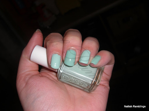 Essie Mint Candy Apple Elf Mint Cream