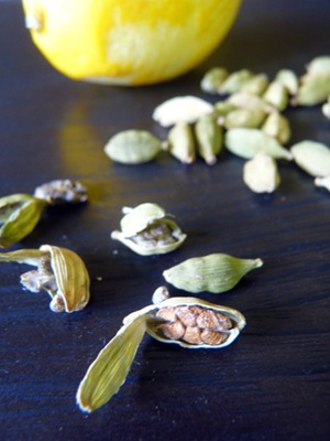 cardamom with lemon