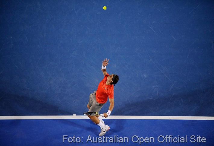 Rafa Nadal serving