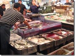 13Japan-FishMarket 003