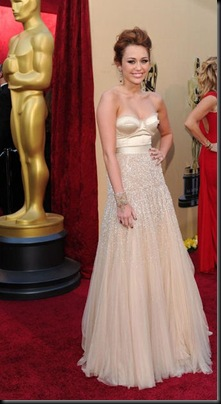 Singer/actress Miley Cyrus arrives at the 82nd Annual Academy Aw