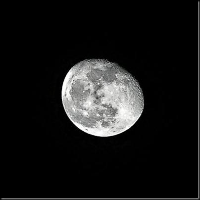 DSCF2710_moon_5mp_crop[1]