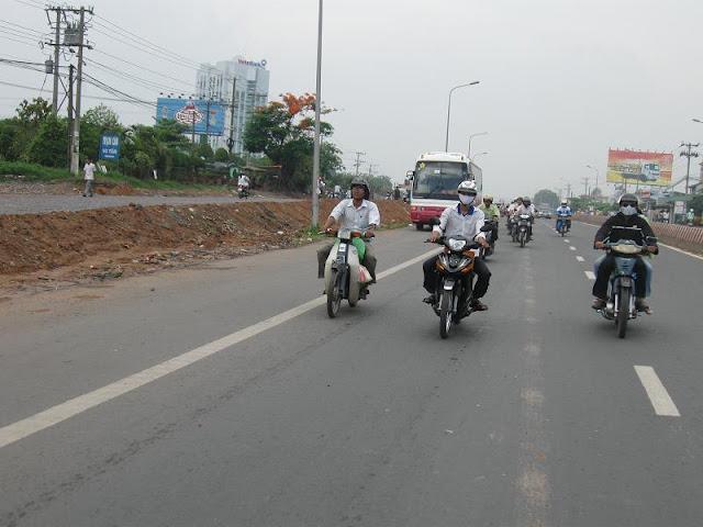Chú Bùi Quang Thọ và Bé Trâm  IMG_1294