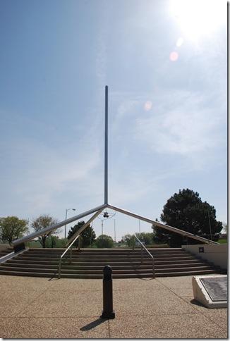 04-18-10 B Amarillo Helium Monument 004