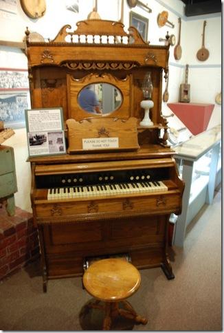 04-07-11 Museum of Appalacia 048