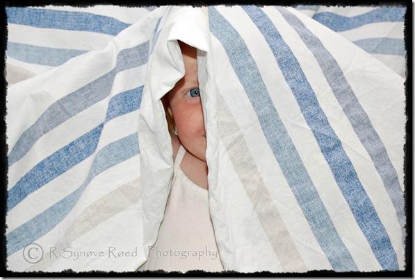 H.V leker i sengetøy