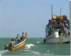 2009-01-16T123244Z_01_ACAE50F0YUR00_RTROPTP_2_OEGTP-SOMALIA-PIRATES-MH7