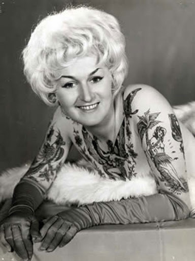 http://lh3.ggpht.com/_RvnAJ_8jAiU/SeKCpb3LdPI/AAAAAAAAAt0/piEGBmIMUsQ/s512/vintage-tattoo9.jpg