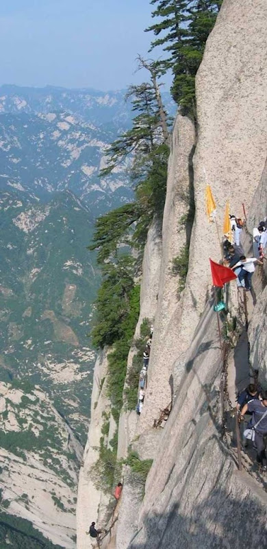 huashan mountain road (4)