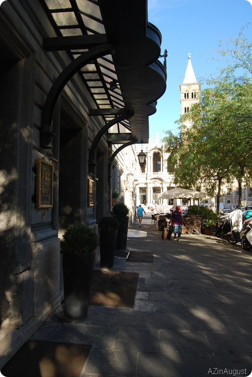 Hotel Sidewalk