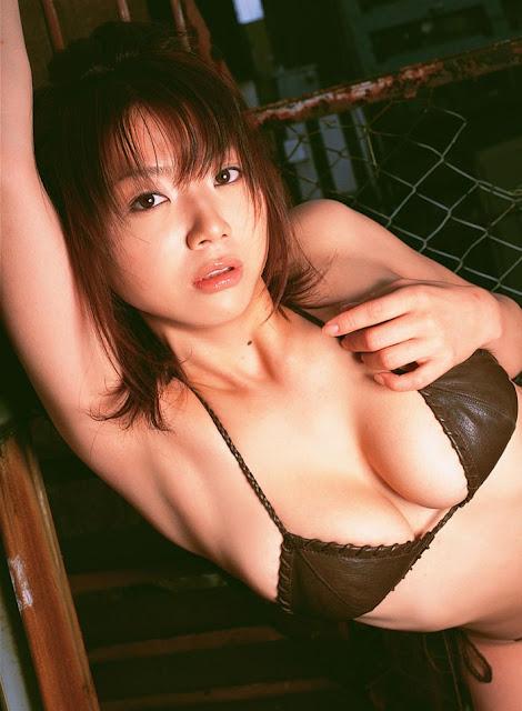 Hitomi Aizawa Hot Image asian model